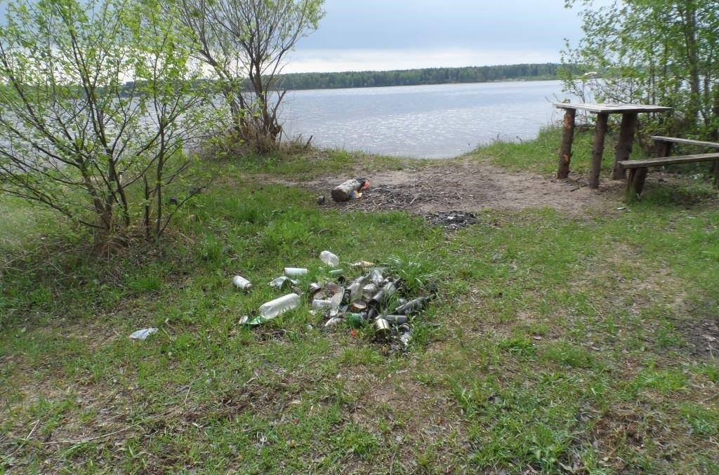 Уборка мусора с акватории и берегов Угличского водохранилища в Угличском районе Ярославской области